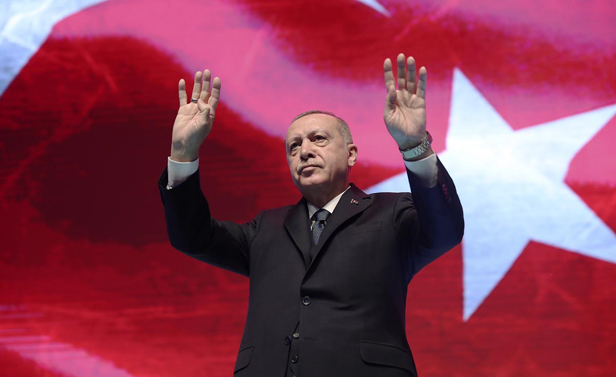 Turkey's President Erdoğan said the period of Turkey's unilateral self-sacrifice in relation to the refugees has come to an end. Photo: AP/TT